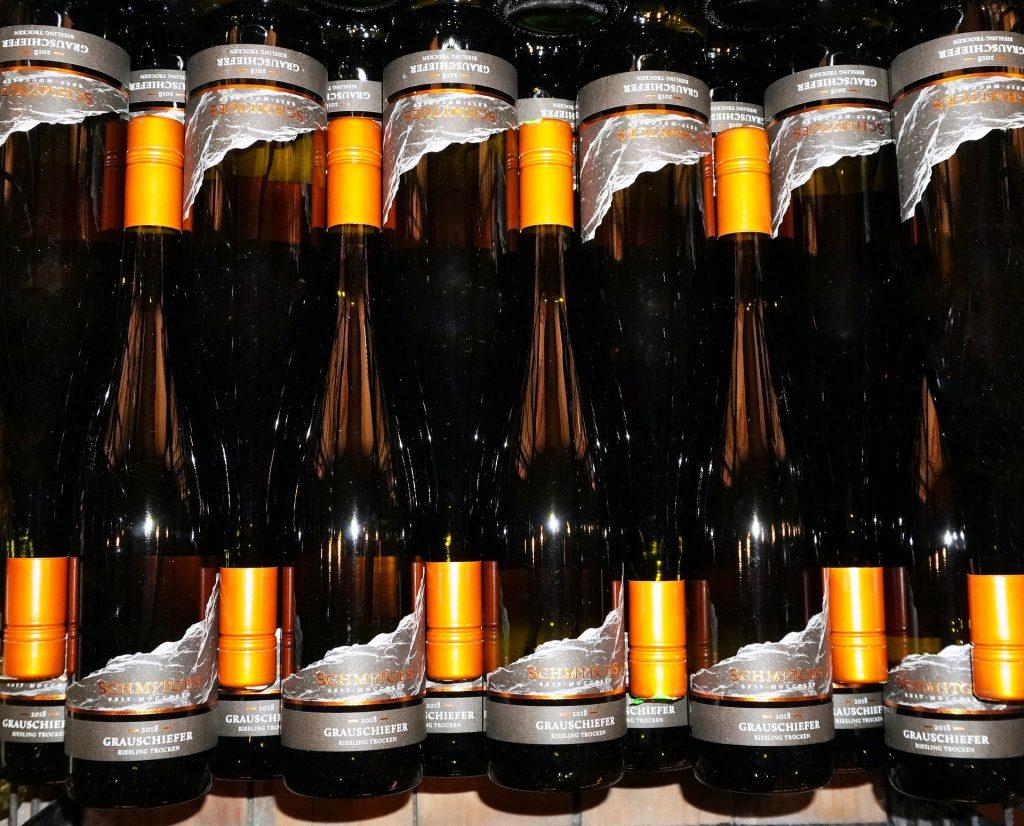 Coucher les bouteilles de vin