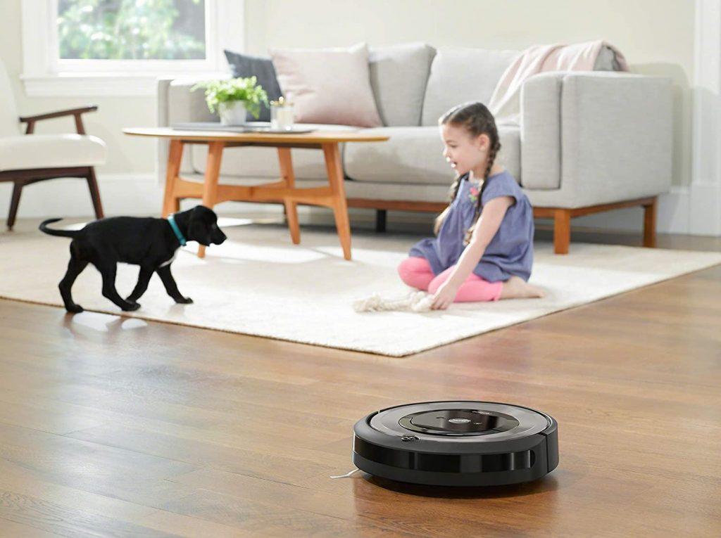 Le robot aspirateur iRobot Roomba e5154