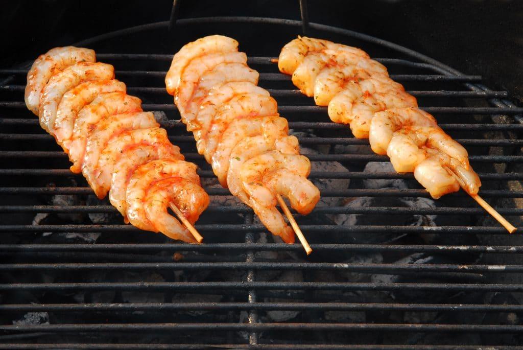 Les gambas au barbecue